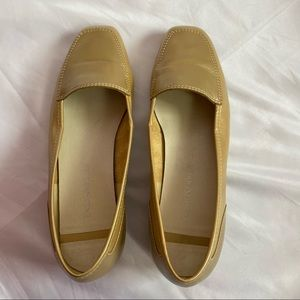 Enzo Angiolini Liberty Gold Loafer Flats, size 7